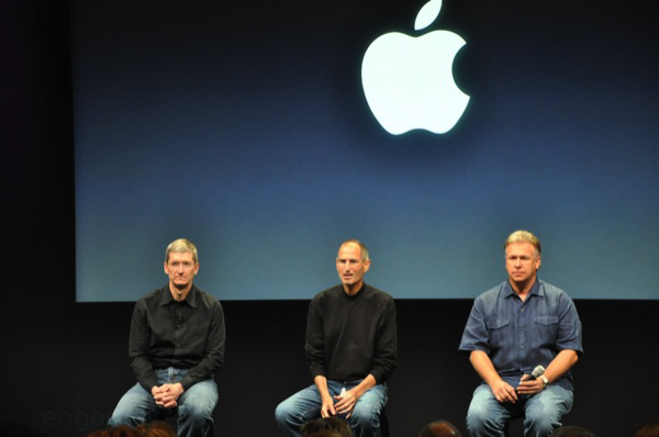 apple-laptop-event-099