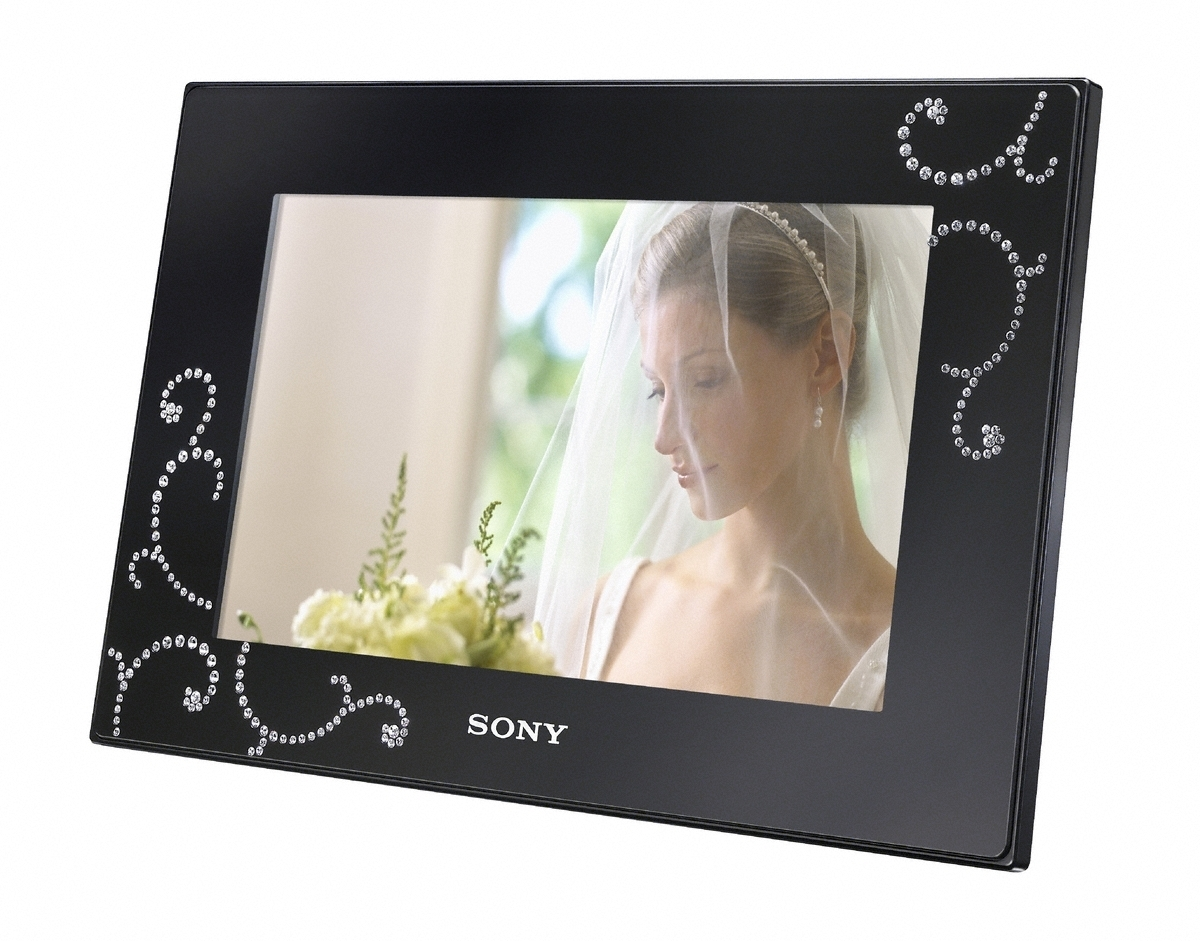Sony Pimps Out Its Digital Frame With Swarovski Crystals